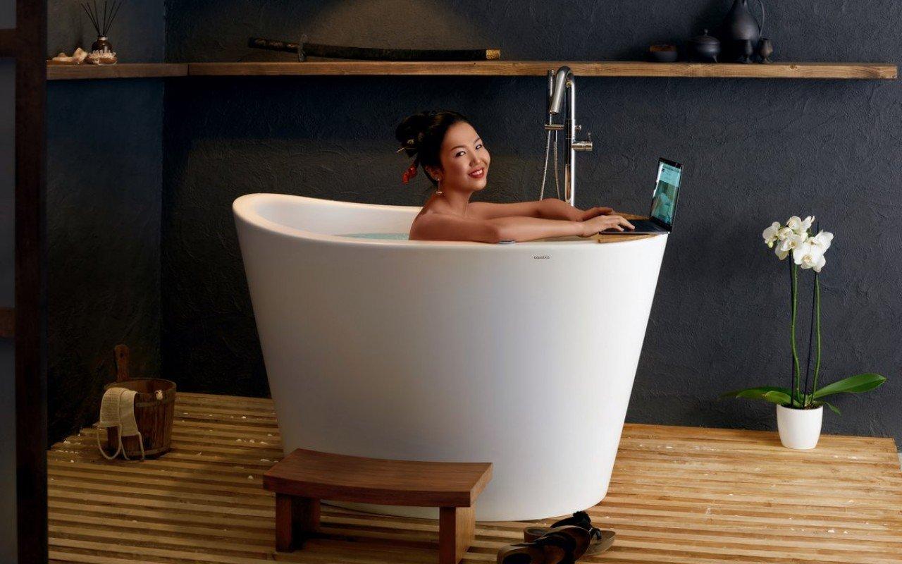 Aquatica True Ofuro Tranquility apsildāma brīvstāvoša, japāņu dziļā akmens vanna picture № 0